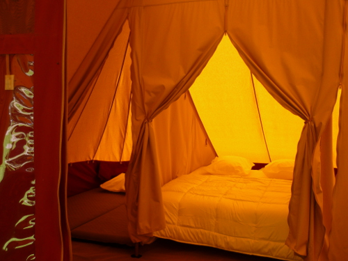 De Waard rental tent sleeping area